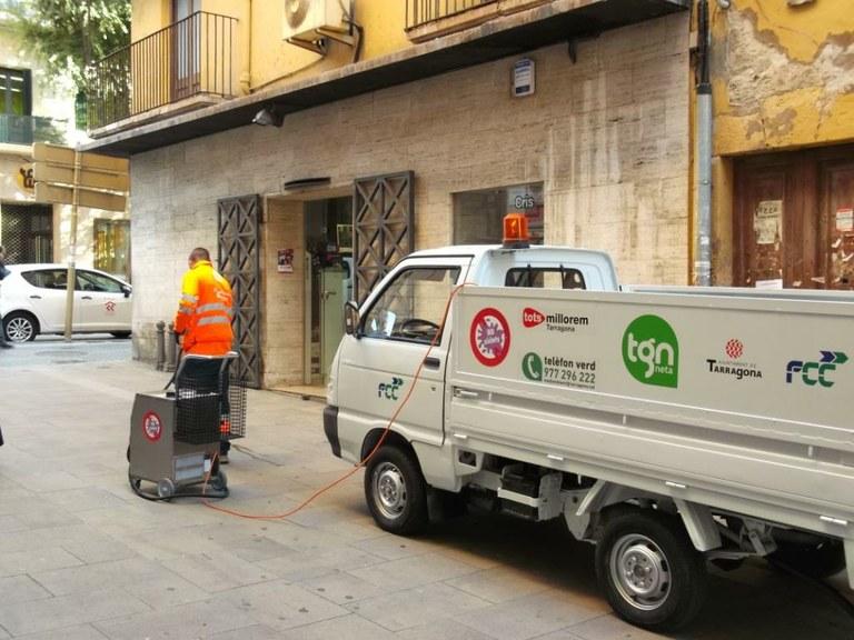 Aquesta setmana comença la neteja de xiclets a la via pública