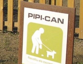 """Comença la construcció del """"pipi-can"""" al Camp de Mart"""