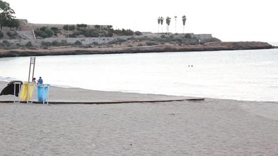 Les platges es comencen a netejar cada dia a les 4 del matí durant l'estiu