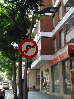 El carrer Ramón i  Cajal estrena 126 punts de llum amb tecnologia led