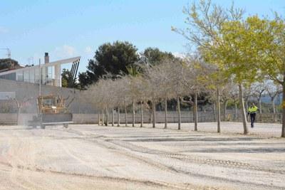 S'inicien les obres d'asfaltatge del pàrquing de terra de la Savinosa