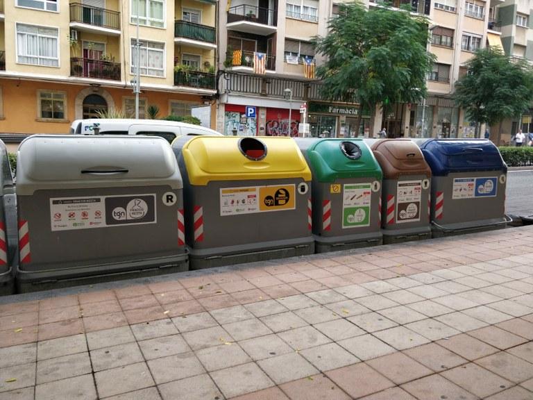 Els materials utilitzats per la cura d'un malalt de COVID-19 a domicili s'hauran de dipositar amb triple bossa al contenidor de la resta