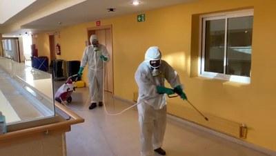 L'Ajuntament de Tarragona desinfecta diferents residències i equipaments de la ciutat