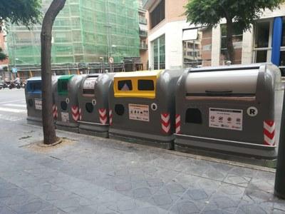 L'Ajuntament instal·la una illa de contenidors per a persones amb mobilitat reduïda