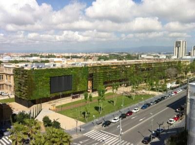 El Jardí Vertical estalvia 10.000 euros l'any en consum d'aigua