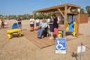 La platja de l'Arrabassada estrena zona de bany adaptada per a persones amb mobilitat reduïda