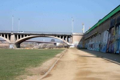 L'Ajuntament neteja la llera del riu Francolí