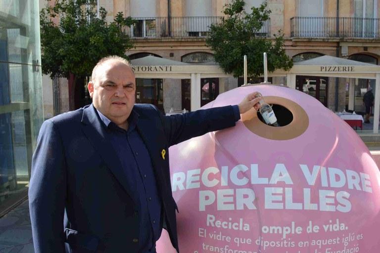 """L'Ajuntament de Tarragona i Ecovidrio presenten la campanya """"Recicla vidre per elles"""" amb motiu del Dia Mundial del Càncer de Mama"""