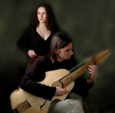 Engeguen les Històries a la Fresca amb el concert del grup Cantar Alla Viola