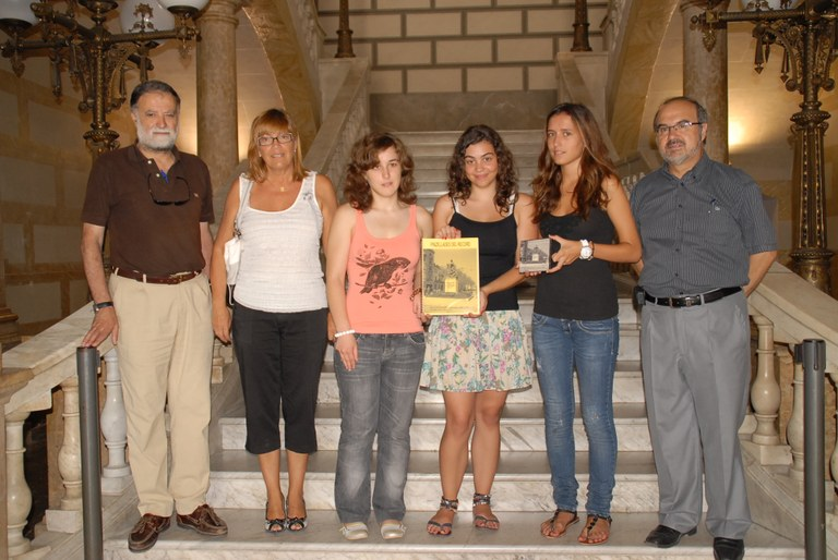 """Tres alumnes del Sagrat Cor guanyen el premi de recerca de Batxillerat sota el títol """"Pinzellades del record"""""""