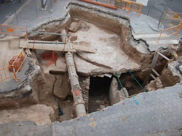 El carrer Colom va albergar un espai de culte dedicat a les nimfes