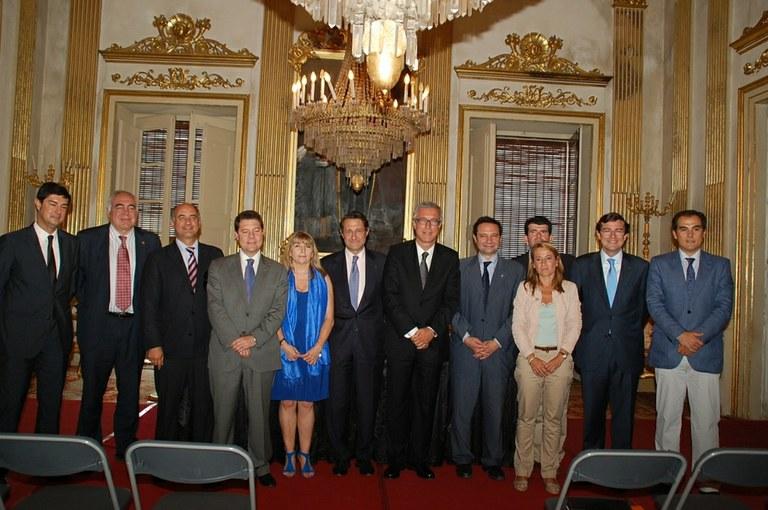 Els nous alcaldes del Grupo Ciudades Patrimonio reben les insígnies en l'assemblea celebrada a Tarragona
