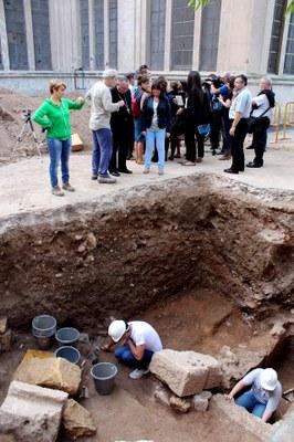 Es localitzen l'absis de la Basílica Paleocristiana i la tomba de Sant Fructuós