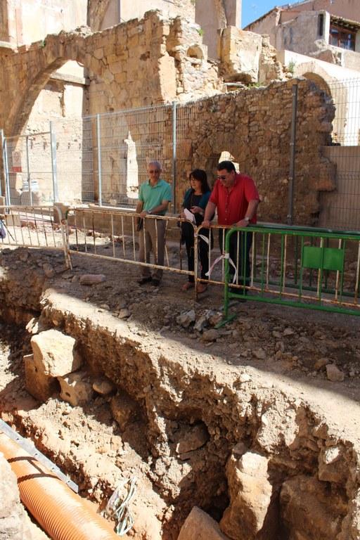 L'Ajuntament renova el paviment de la plaça dels Àngels i fa obres de millora al recinte de Ca La Garsa
