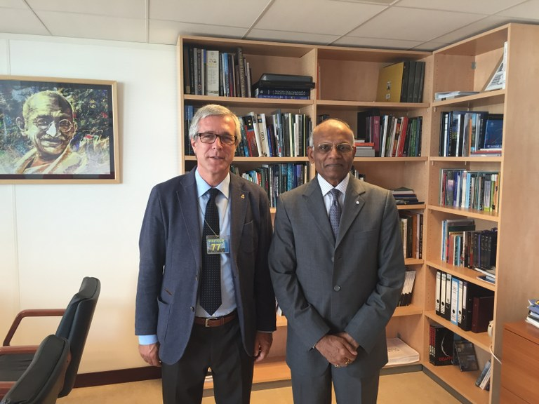 L'alcalde Ballesteros es reuneix amb el director del Centre de Patrimoni Munial de la Unesco