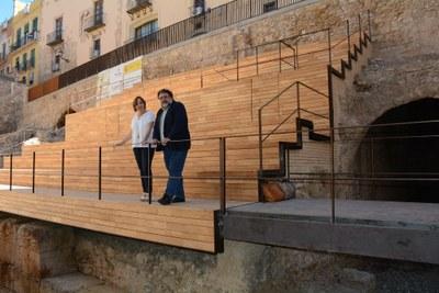 L'ajuntament recepciona l'obra de les grades de la plaça dels Sedassos