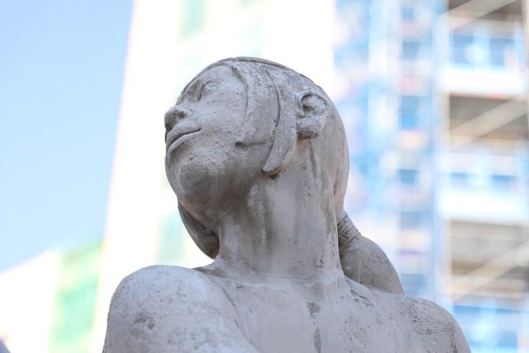 Finalitzen els treballs per restituir el cap i la mà trencats de la Font del Centenari de Tarragona