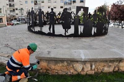Arranjament del paviment del Monument a la Sardana