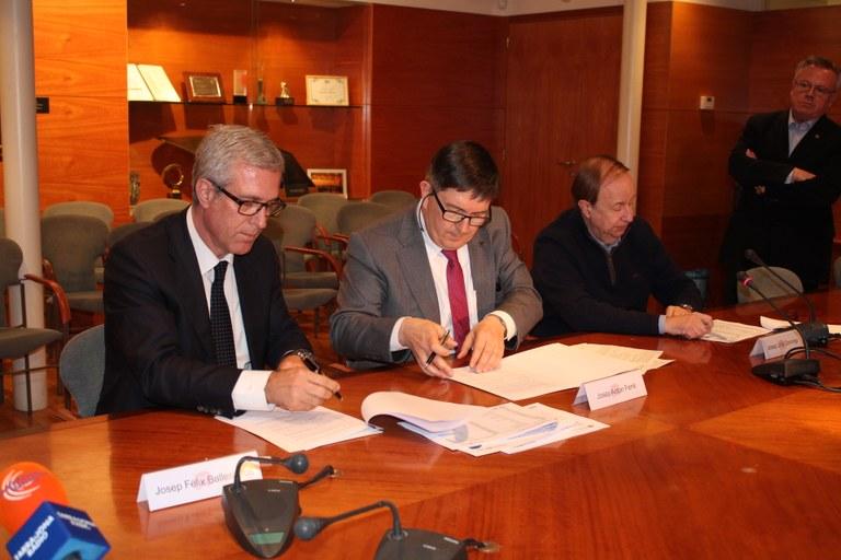 SIRUSA i la URV signen un contracte per l'avaluació de riscos per a la salut de la incineradora de residus urbans del Camp de Tarragona