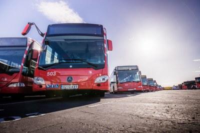 L'EMT instal·larà dispensadors de gel desinfectant als autobusos i estudia reduir l'aforament