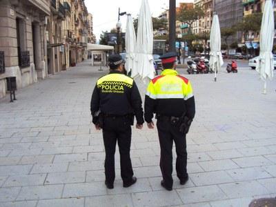La Guàrdia Urbana i els Mossos d'Esquadra inicien el patrullatge conjunt de proximitat