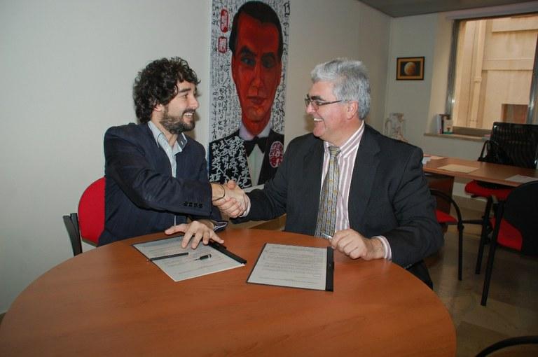 Signat el conveni de seguretat vial entre l'Ajuntament i ACESA