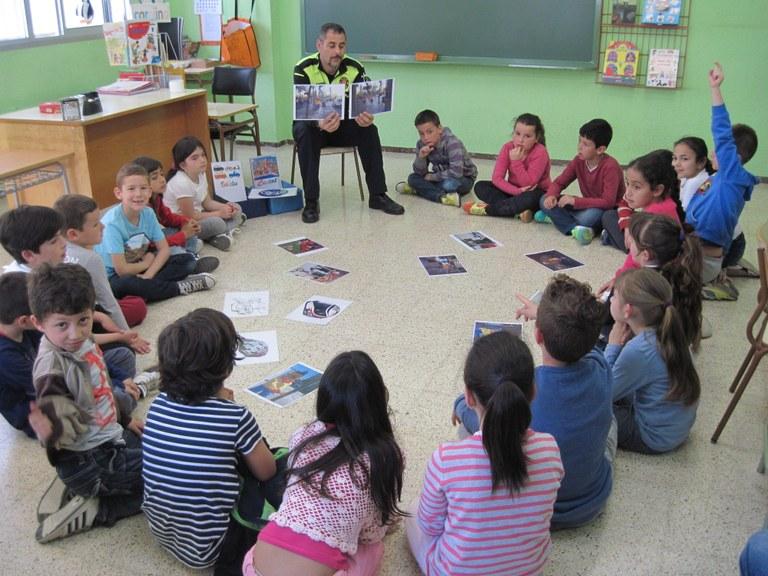 La Guàrdia Urbana fa cursos de formació vial als alumnes de Sant Pere i Sant Pau