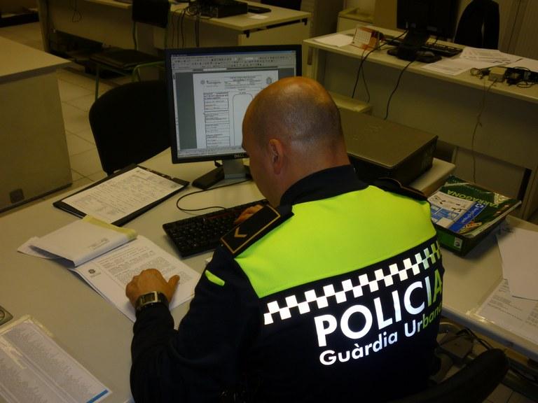 Investigat per un presumpte delicte de robatori amb força