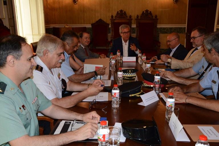 La Guàrdia Urbana i els Mossos inicien una campanya informativa de consells de seguretat al domicili