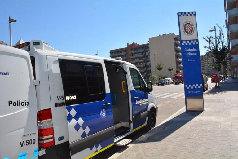 La Guàrdia Urbana renova la furgoneta d'atestats, que incorpora connexió a internet per donar més agilitat a la tasca de la policia