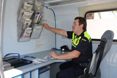 La Guàrdia Urbana desplega patrulles de proximitat i dues oficines mòbils a diferents barris de la ciutat