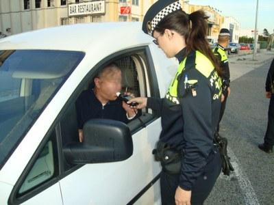 La Guàrdia Urbana ha detingut un home de 66 anys per atemptat a agents de l'autoritat, lesions i danys lleus
