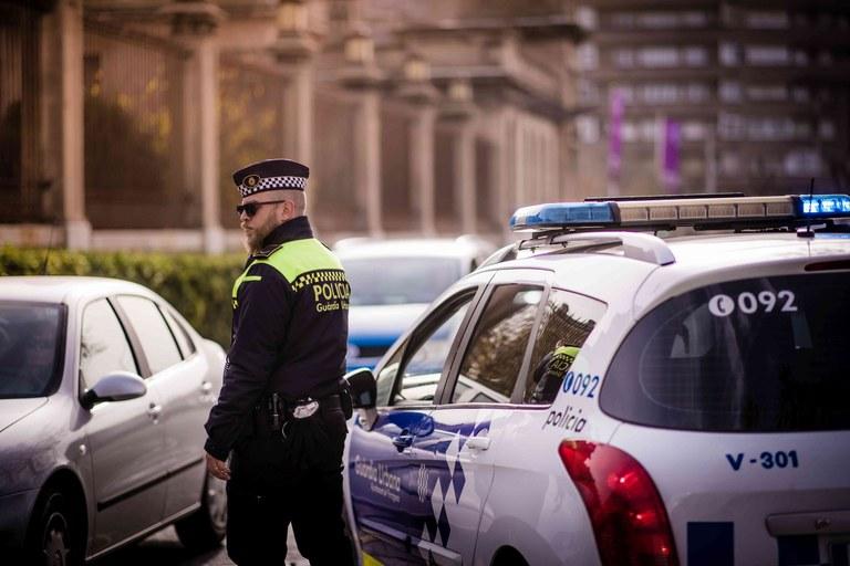 La Guàrdia Urbana denuncia 25 persones aquest dilluns per incomplir les indicacions de confinament