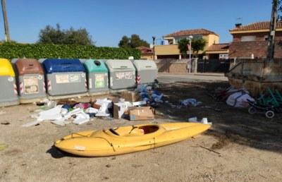La Guàrdia Urbana denuncia 50 persones en un mes per llençar residus de manera incorrecta