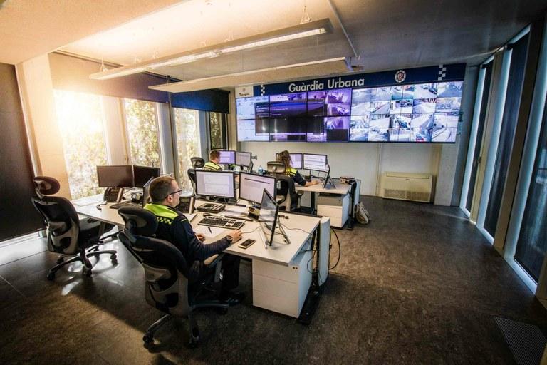 La Guàrdia Urbana denuncia aquest dilluns deu persones per incomplir les indicacions de confinament