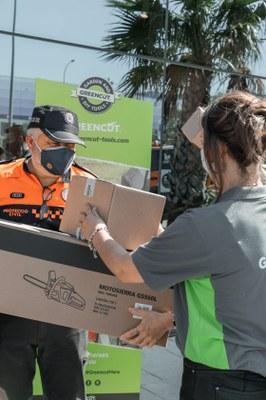 Els voluntaris de Protecció Civil de Tarragona reben una donació de motoserres i desbrossadores Greencut