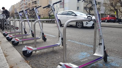 La Guàrdia Urbana de Tarragona engega una campanya de control d'infraccions de patinets i bicicletes