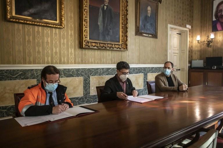 L'Ajuntament de Tarragona i l'Associació de Voluntaris de Proteció Civil signen un conveni de col·laboració