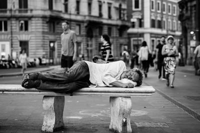 un sensesostre al carrer