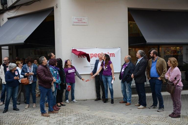 L'alcalde de Tarragona inaugura la plaça de la Dona Treballadora