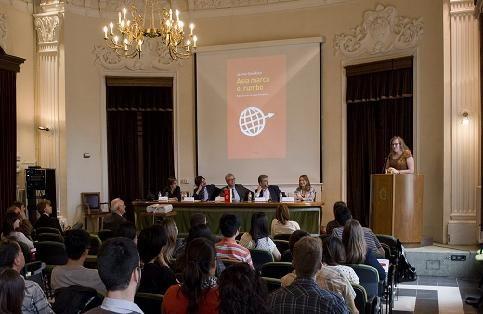 """Presentació del llibre """"Asia marca el rumbo"""", de Jaume Giné"""